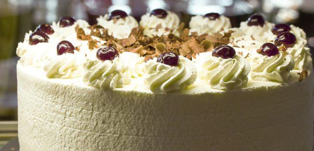 Pleasant Cannabis Birthday Cake Prank Goes Awry Candid Chronicle Us And Funny Birthday Cards Online Elaedamsfinfo